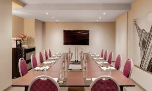 "Meeting location ""Boardroom"" at the Morosani ""Schweizerhof"" Davos"