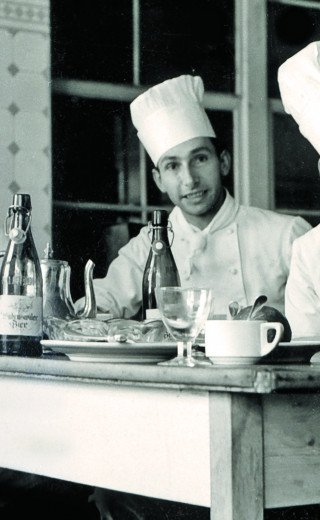 Historic picture of the Morosani chefs in Davos